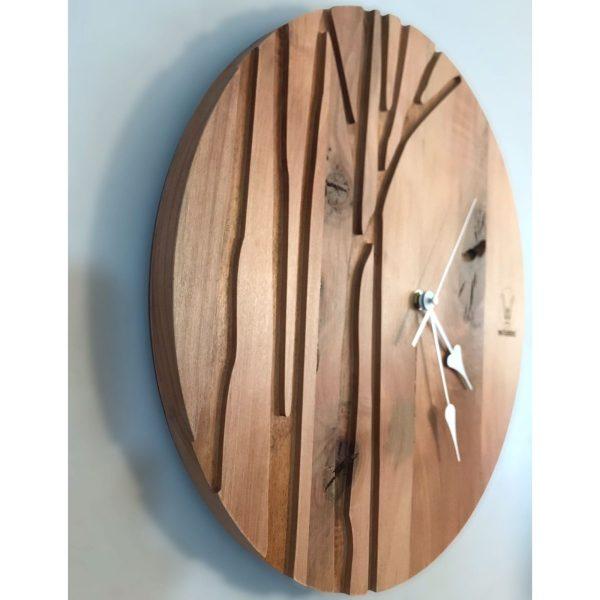 reloj de roble artesanal